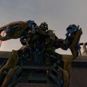 Die riesigen Kampfmaschinen eben in einigen Missionen ganze Gebäude ein.