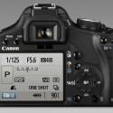 """Der Monitor misst in der Diagonalen drei Zoll oder 7,6 Zentimeter. Auf seinen 920.000 Pixeln bietet er nicht nur die gemachten Bilder zu Ansicht, sondern auch einen """"Live View""""-Modus."""