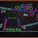 Ein Art-Puzzle-Spiel ist Blackboard, bei dem man eine Maschine aus verschiedenen Einzelteilen zusammensetzt.