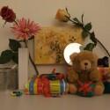 Zimmerbeleuchtung ein, Blitz aus: ISO 100, Blende 3.7, 1/12 Sekunde.