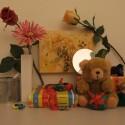 Zimmerbeleuchtung ein, Blitz aus: ISO 400, Blende 3.7, 1/56 Sekunde.
