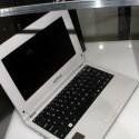 Das Gehäuse ist deutliche größer als für das acht Zoll nötig. Ds lässt darauf hoffen, dass die Tastatur ausreichend groß ist.