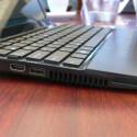 VGA-, HDMI-, und ein USB-3.0-Anschluss sowie ein Kartenlesegerät.