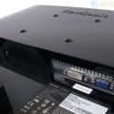 Wenig Auswahl bei den Anschlüssen. Neben dem Audioeingang gibt es nur noch je eine VGA- und DVI-Schnittstelle.