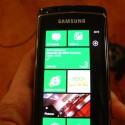 Der Startbildschirm von Microsoft Windows Phone 7 ist übersichtlich und aufgeräumt.