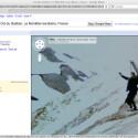 Gelegentlich zeigt Google StreetView aber auch lustige Bilder wie diesen Menschen, der sich über irgendetwas sehr freut.