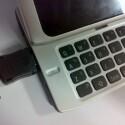 Handelt es sich hierbei wirklich um das neue Nokia N9? Die Bezeichnung auf dem Handy selbst lässt jedenfalls darauf schließen. (Bild: tieba.baidu.com)