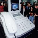 Bildtelefonie am Stand der Telekom 1995. (Bild: Messe Berlin)
