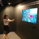 Toshibas Cevo-Technologie soll in neue 3D-Fernseher der Japaner eingebaut werden. Auf der IFA demonstrierte das Unternehmen, was damit alles möglich ist - etwa Benutzeroberflächen mit Bewegungssteuerung. Bild: Netzwelt