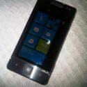 Dieses Asus Mobiltelefon mit Windows Phone 7 wurde in Pakistan gesichtet. (Bild: Pocketnow)