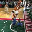 """Vier Spieler mit XXL-Köpfen, zwei Körbe, ein Ball - """"NBA Jam"""" ist aberwitziges Remake eines Automatenklassikers. (Bild: EA)"""