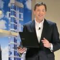 Doug Albregts Vizepräsident von Samsung USA präsentierte auf der CES mit der 9series einen Konkurrenten fürs Macbook Air. (Bild: netzwelt)