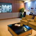 Dank Internet-Anbindung sollen laut Microsoft auch virtuelle Einkaufstouren vom Sofa aus möglich sein. (Bild: Microsoft)
