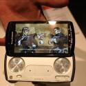 Im kurzen Test erfolgte die Darstellung flüssig, nervige Ruckler blieben aus. Das Xperia Play wird ab März in Deutschland erhältlich sein. Preise nannte Sony Ericsson jedoch noch nicht.