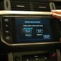 Wahlweise sucht die Steuerungszentrale nach Bluetooth-Handys, die dann zur Freisprecheinrichtung angekoppelt werden können. (Bild: netzwelt.de)