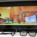 Für die 3D-Ansichten auf den 23,6 Zoll großen Bildschirm mit passiver Technik reichen günstige Polarisationsbrillen aus.