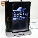 Gigabyte Booktop T1125 - Der Touchscreen lässt sich zum Tablet-Betrieb umklappen und mit dem Standfuß wird ein kleiner Desktop-Rechner draus.