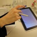 Der mitgelieferte Stift ermöglicht aller Hand Möglichkeiten... (Bild: netzwelt)