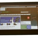 Ins Netz gelangt das Tablet per WLAN und in der teureren Ausführung auch per UMTS.