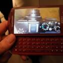 Beide Handys sind mit Sonys Exmor R Sensor ausgestattet, der auch bei schlechtem Licht gute Bilder liefern soll. (Bild: netzwelt)
