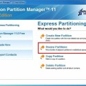 """Wählen Sie im Hauptmenü den markierten Eintrag """"Resize Partitions"""" und klicken Sie im Folgefenster auf """"Next"""". (Bild: Screenshot)"""