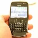 Das Handy bietet einen hochauflösenden Touchscreen. (Bild: netzwelt)