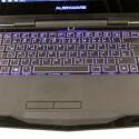 Die Farben der Beleuchtung von Tastatur, dem Alienware-Schriftzug und den Applikationen an der Vorderseite lassen sich einzeln ändern.