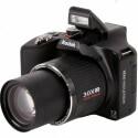 Das Objektiv verfügt über einen 30-fachen Zoom. Umgerechnet ins Kleinbildformat reicht die Brennweite von 28 bis 840 Millimeter.