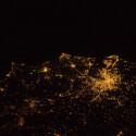 Der Italiener Nespoli hat es sich natürlich nicht nehmen lassen und sein Heimatland fotografiert. Auf dem Foto ist Rom und seine Umgebung zu sehen. (Bild: ESA/NASA)