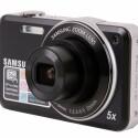 Das Objektiv mit fünffachen Zoom verfügt über eine ins Kleinbildformat umgerechnet Brennweite von 26 bis 130 Millimeter.