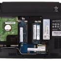 Schrauben lösen und der Nutzer kann Festplatte und Arbeitsspeicher relativ unkompliziert austauschen.