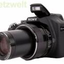 Das Objektiv verfügt über einen 30-fachen Zoom, umgerechnet ins Kleinbildformat reicht die Brennweite von 27 bis 810 Millimetern.