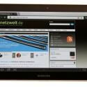 Webseiten können auch per Kippbewegung vergrößert oder verkleinert werden.