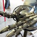 Eine Hand des Roboters, die ebenso wie die Maschine fast komplett aus Eisen besteht. (Quelle: Gigazine)