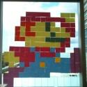 Natürlich darf auch Mario nicht in der Pariser Post-It-Landschaft fehlen. (Bild: POST'IT WAR)