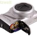 Fotos speichert die Kamera auf seiner SD-Karte ab. Strom bezieht sie aus zwei AA-Batterien oder Akkus.