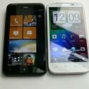 Nahezu baugleich: Das HTC Titan (inks) und das HTC Sensation XL. (Bild: netzwelt)