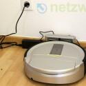 Der HomeRun ist mit einem Auto-Modus ausgestattet, in dem er nach der Bodensäuberung selbstständig zur Basisstation zurück findet. (Bild: netzwelt)
