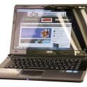 Der 14 Zoll große Bildschirm ist verspiegelt und verfügt über eine Auflösung von 1.366 x 768 Pixeln.