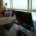 Das Smartphone lässt sich mit einem Handgriff aus dem Tablet-PC entfernen. (Bild: netzwelt)