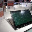 Das IdeaPad Yoga soll sich auch als Steh-Tablet nutzen lassen. (Bild: netzwelt)