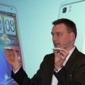 Optisch unterscheidet sich das HTC Velocity 4G nicht von 3G-Smartphones. (Bild: netzwelt)