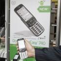 Auch wenn es optisch nicht zu erkennen ist, läuft das PhoneEasy 740 mit Android. (Bild: netzwelt)