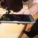 Optisch erinnert das HTC One V an das Modell Legend. (Bild: netzwelt)