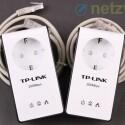 Alle Hersteller von Powerline-Adaptern, auch TP-Link, legen ihren Geräten Ethernet-Kabel bei. Ebenfalls im Lieferumfang: eine Mini-CD mit Anleitung und Software. (Bild: netzwelt)