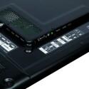 Die Anschlüsse auf der Rückseite des Fernsehers sind klar beschriftet und gut zu erreichen. Der Scart- und Komponenten-Anschluss erfolgt über mitgelieferte Adapter. (Bild: netzwelt)