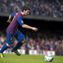 Messi dribbelt. (Bild: EA Sports)