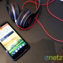 Das One X+ bietet eine verbesserte Beats Audio-Technik. Die entsprechenden Kopfhörer müssen Nutzer aber separat erwerben. (Bild: netzwelt)