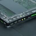 Der 55 ZL 2G verfügt über alle wichtigen und sauber beschriftete Schnittstellen, doch können die HDMI-Eingänge leider keine QFHD-Signale entgegennehmen. (Bild: netzwelt)