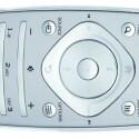 Die ovale Fernbedienung des Cinema 58 PFL 9956 H sieht gut aus und besteht aus Metall, doch rutscht sie aufgrund der glatten Unterseite leicht aus der Hand. (Bild: netzwelt)